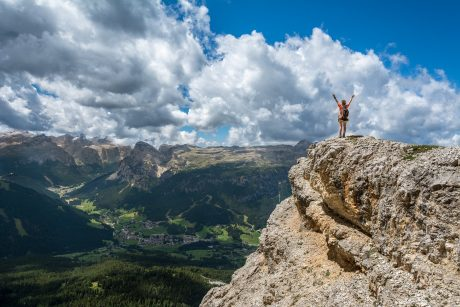 10 WAYS TO REACH THE PINNACLE OF SUCCESS